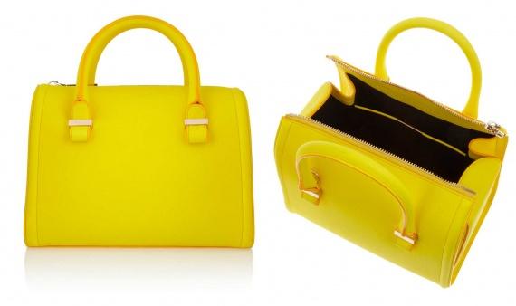 e461b4d5cd77 Виктория Бекхэм представила новую ярко-желтую сумку «Seven ...