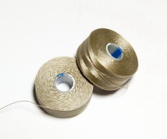 Какие нити использовать для вышивки бисером 70