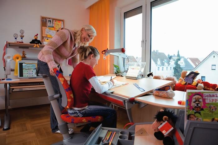 Как организовать рабочее место школьника: важные советы по выбору и покупке принадлежностей детская мебель для школьника