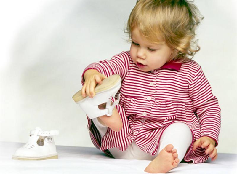 Как правильно выбрать детскую обувь Tinysoles.com