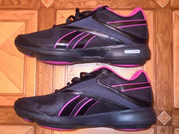 568281f4 Лучшие кроссовки для прогулки - Reebok EasyTone кроссовки Reebok EasyTone