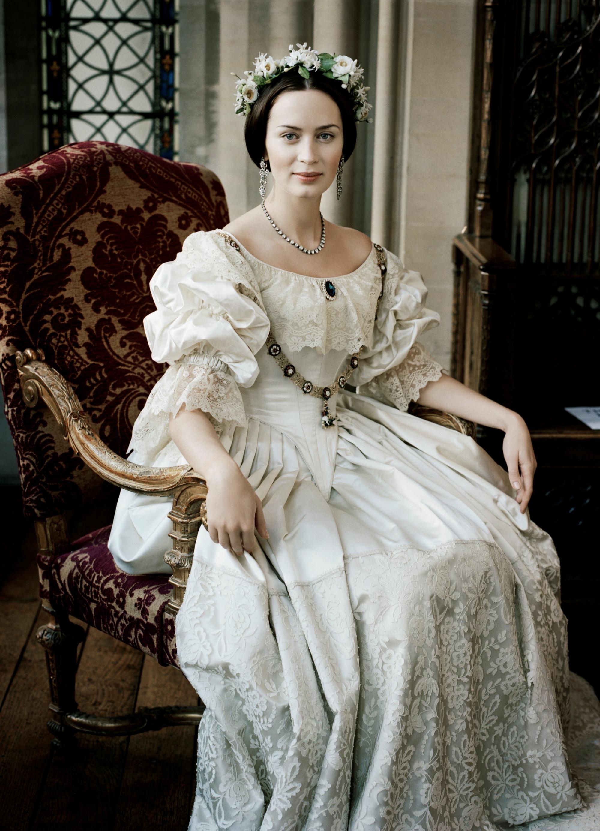 Викторианский стиль в одежде Викторианский стиль в одежде